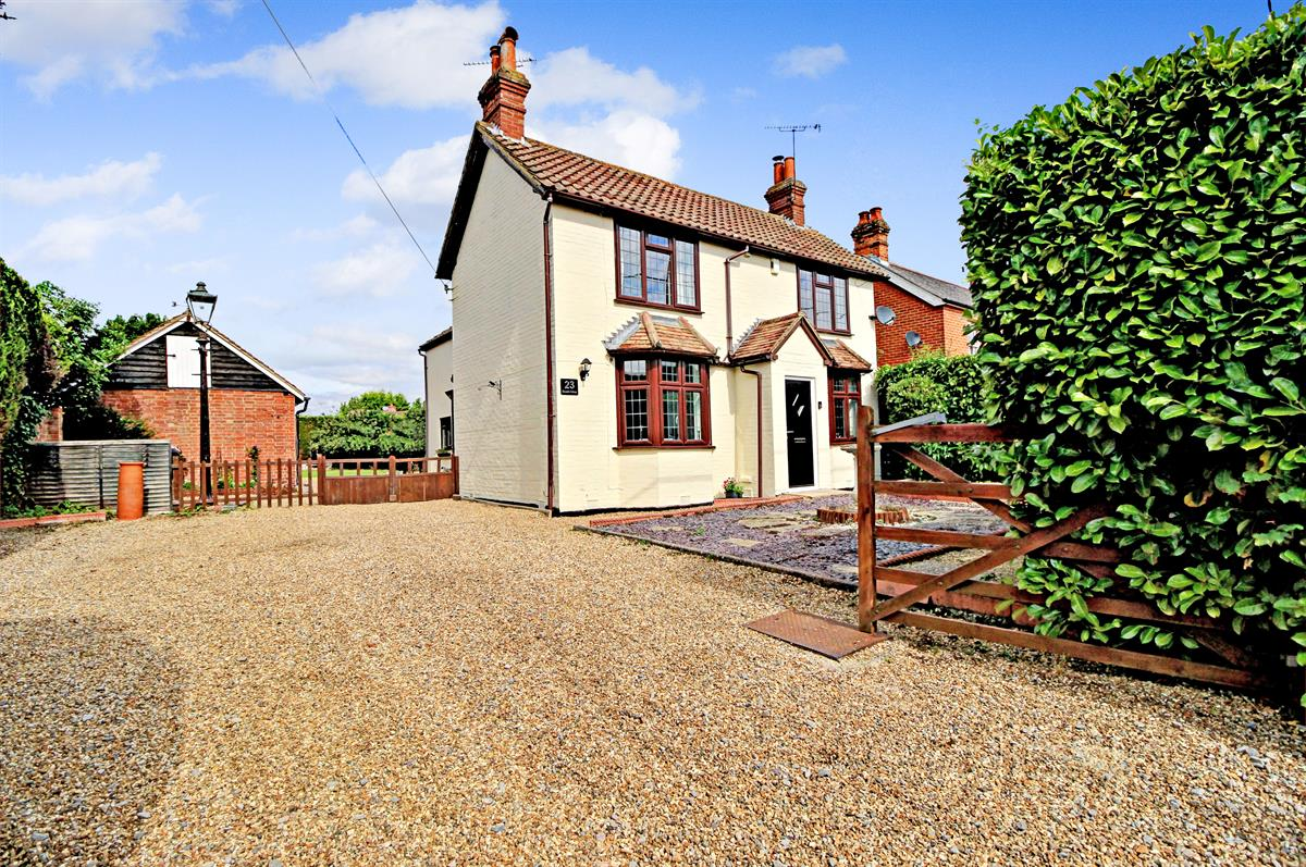 Bramble Cottage, Yateley