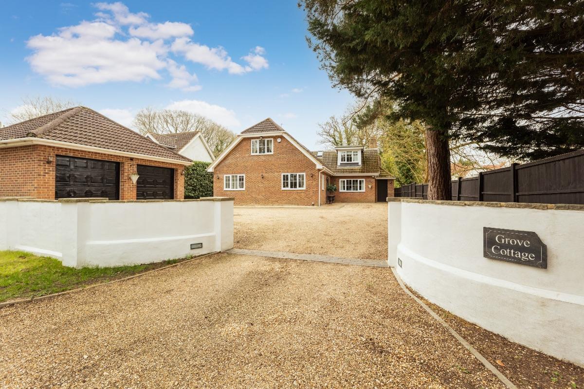 Grove Cottages, Hurst