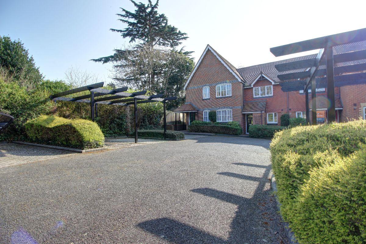 Poppy Place - Quiet Enclave in Wokingham